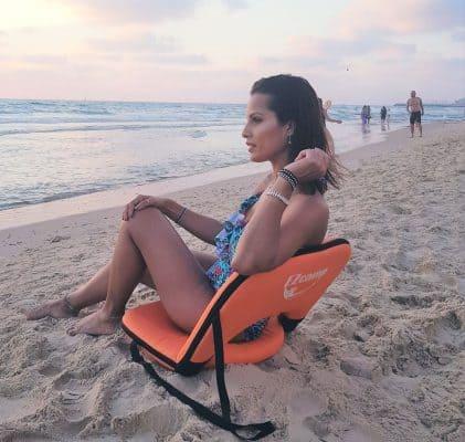 כסא חוף ים מתקפל ומתכוונן בים