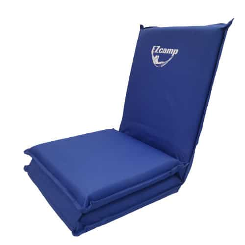 כסא / כורסת קמפינג מתקפלת במצב ישיבה